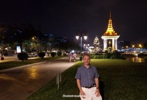 Cambodia, Phnom Penh, travel, adventure, explore, Independence Monument, photo, Samsung Galaxy S7, ilivetotravel