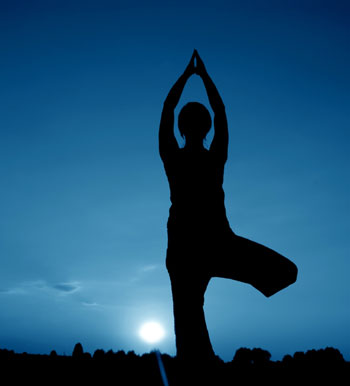 yoga best yoga teacher bea abascal newton boston prana down under hola yoga vinyasa flow power yoga