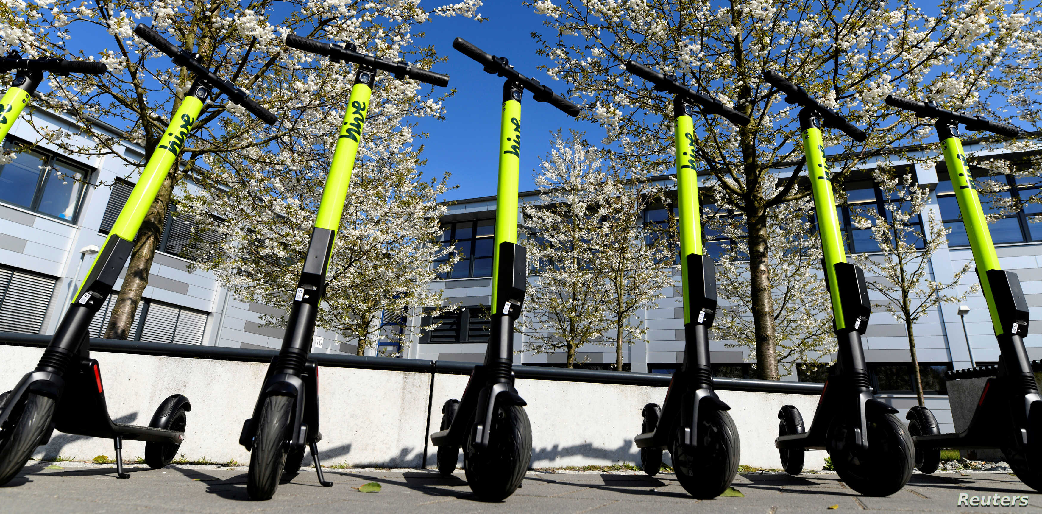 Germany Green Lights E Scooters On Roads Not Pavements Voice Of America English