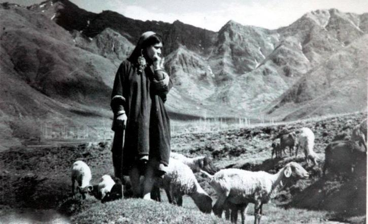 19 Old Pictures Of Kashmir That Will Show You How The
