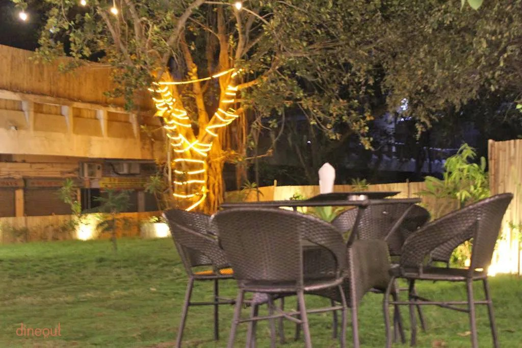 Rattan Jyoti Get 30 Discount At The Flashback Cafe Rajendra Place West Delhi