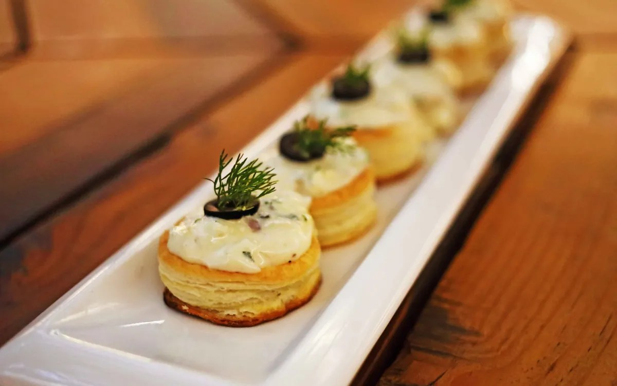 Canapé But Broadway Get 20 Cashback At Broadway Jubilee Hills Hyderabad Dineout