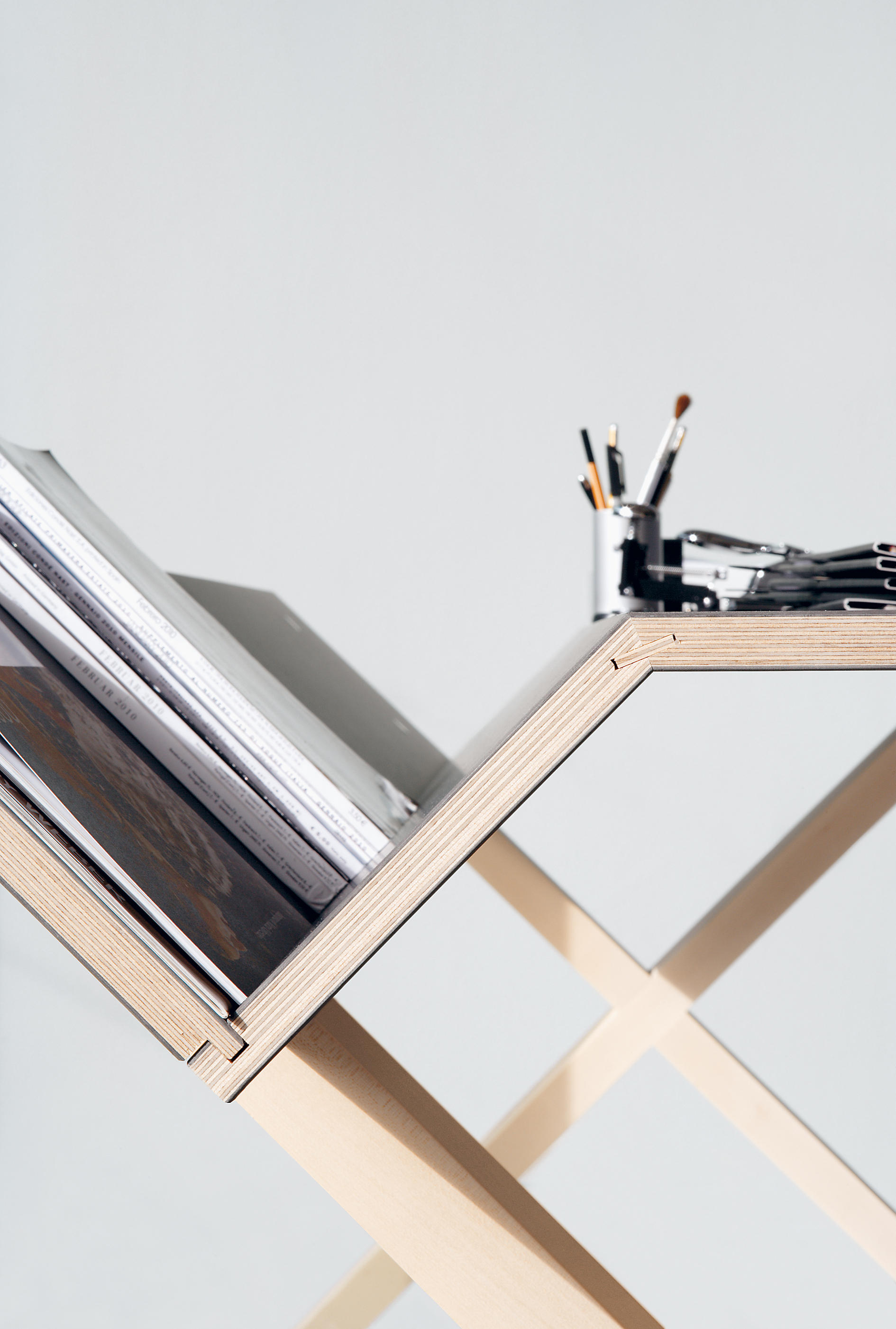 Mini Sekretär Kant Desks From Nils Holger Moormann Architonic