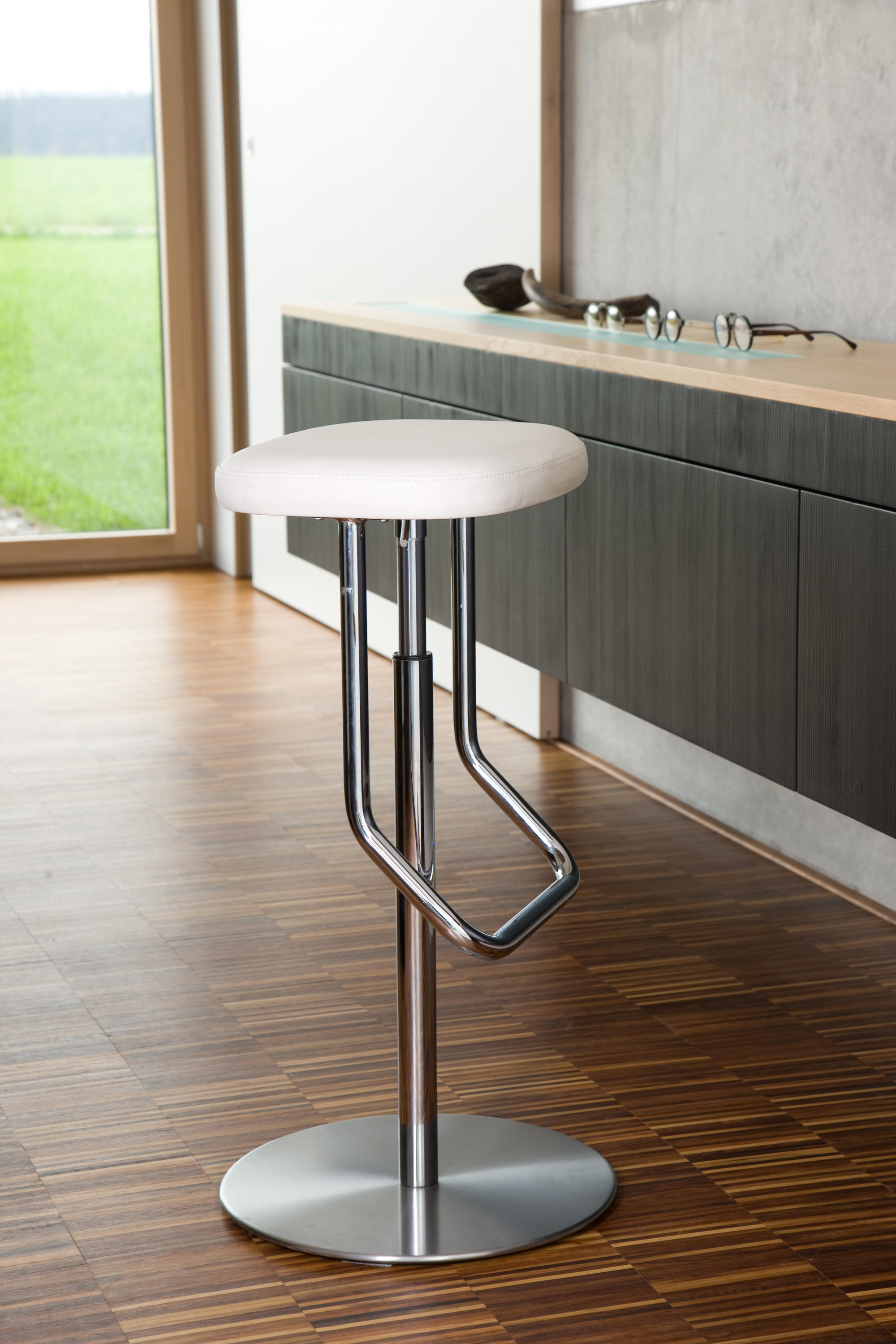 Tabouret De Bar Thonet S 123 Ph Tabourets De Bar De Thonet Architonic