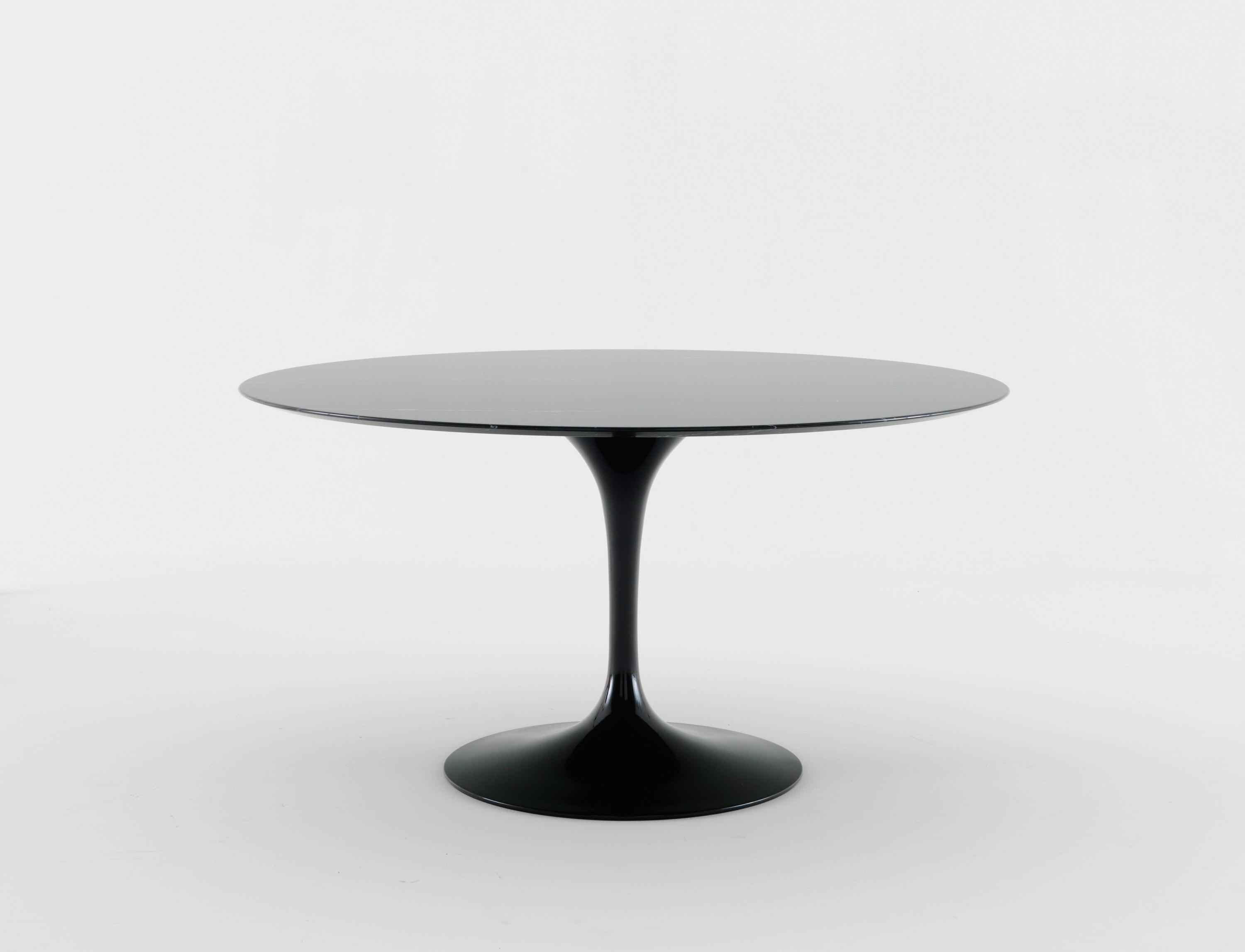 Knoll Saarinen Saarinen Tulip Dining Table Dining Tables By Knoll