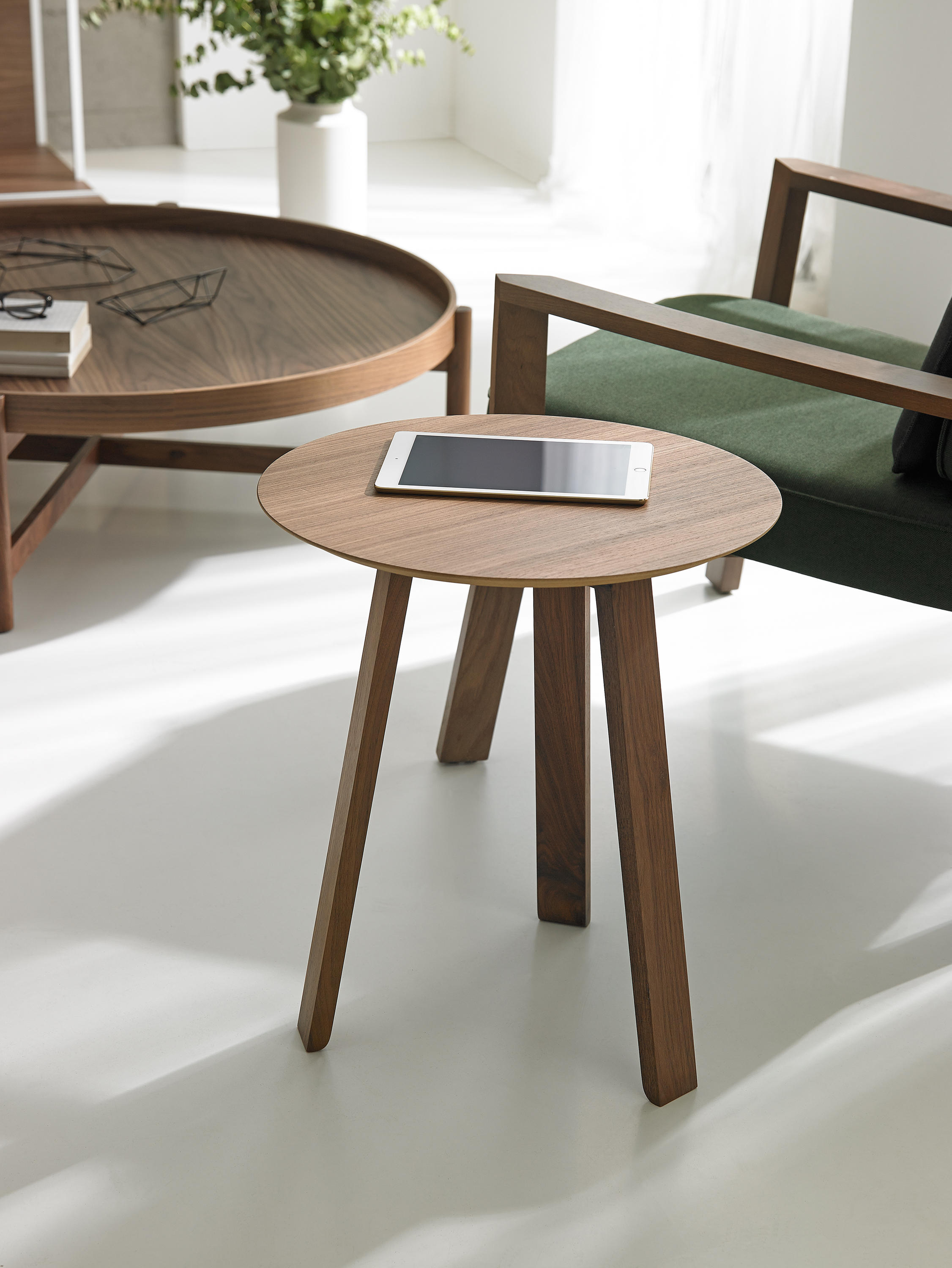 Couchtisch Stockholm Stockholm Low Table Couchtische Von Punt Mobles Architonic
