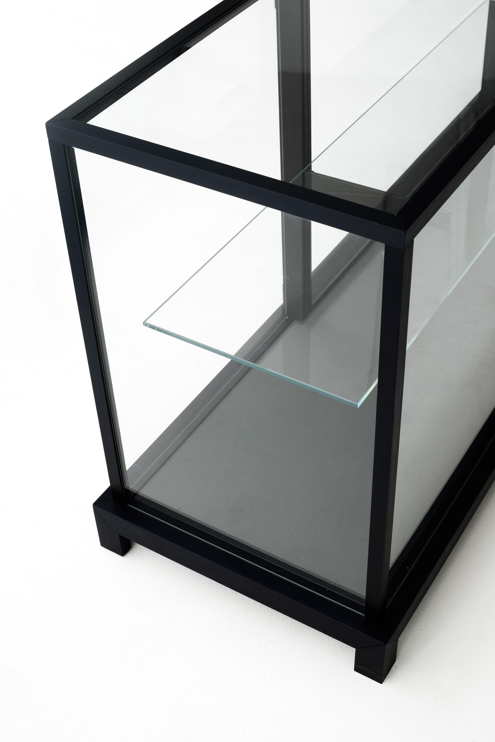Display Glas Wunderkammer Display Cabinets From Glas Italia Architonic