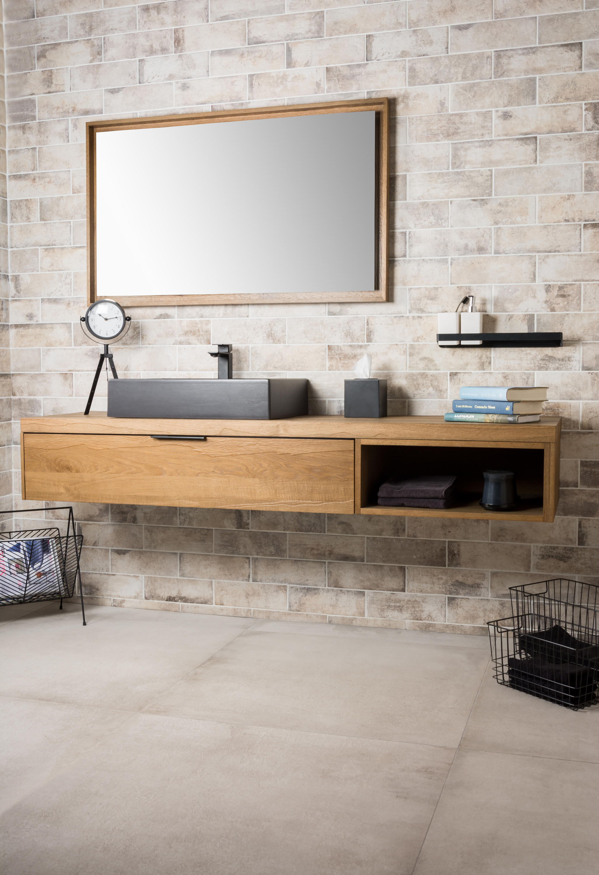 Bagno Design London Harlem Countertop 634mm Bath Shelves From Bagnodesign