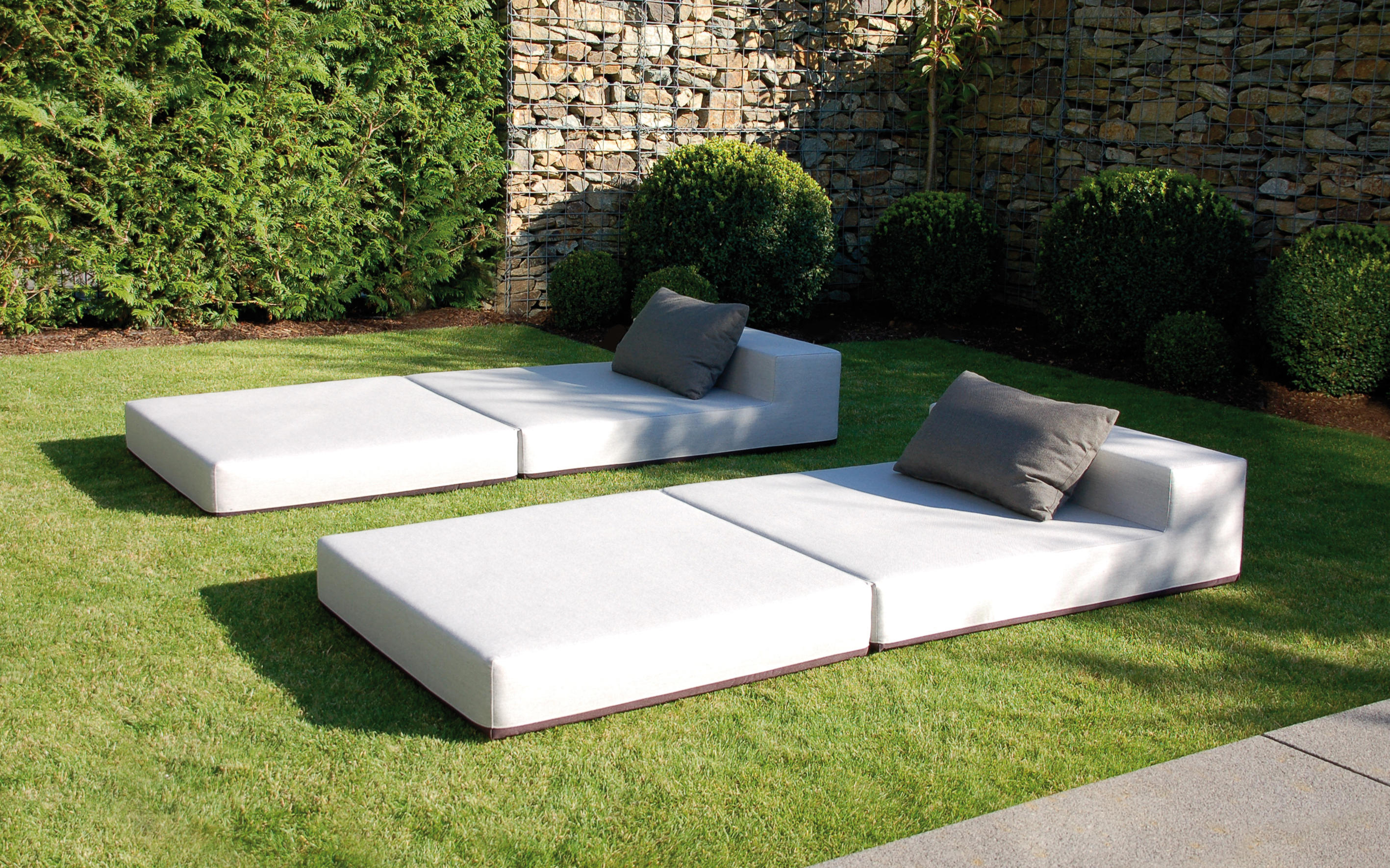 Daybed Outdoor Wetterfest Loopster Daybed Sun Loungers From April Furniture Architonic