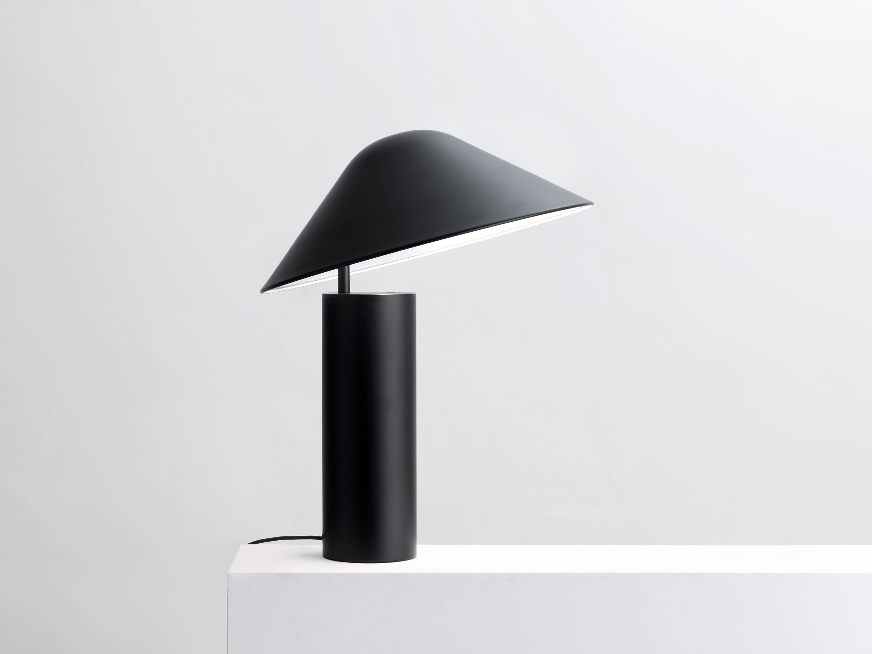 Architecture Desk Lamp Damo Desk Lamp General Lighting From Seeddesign Architonic