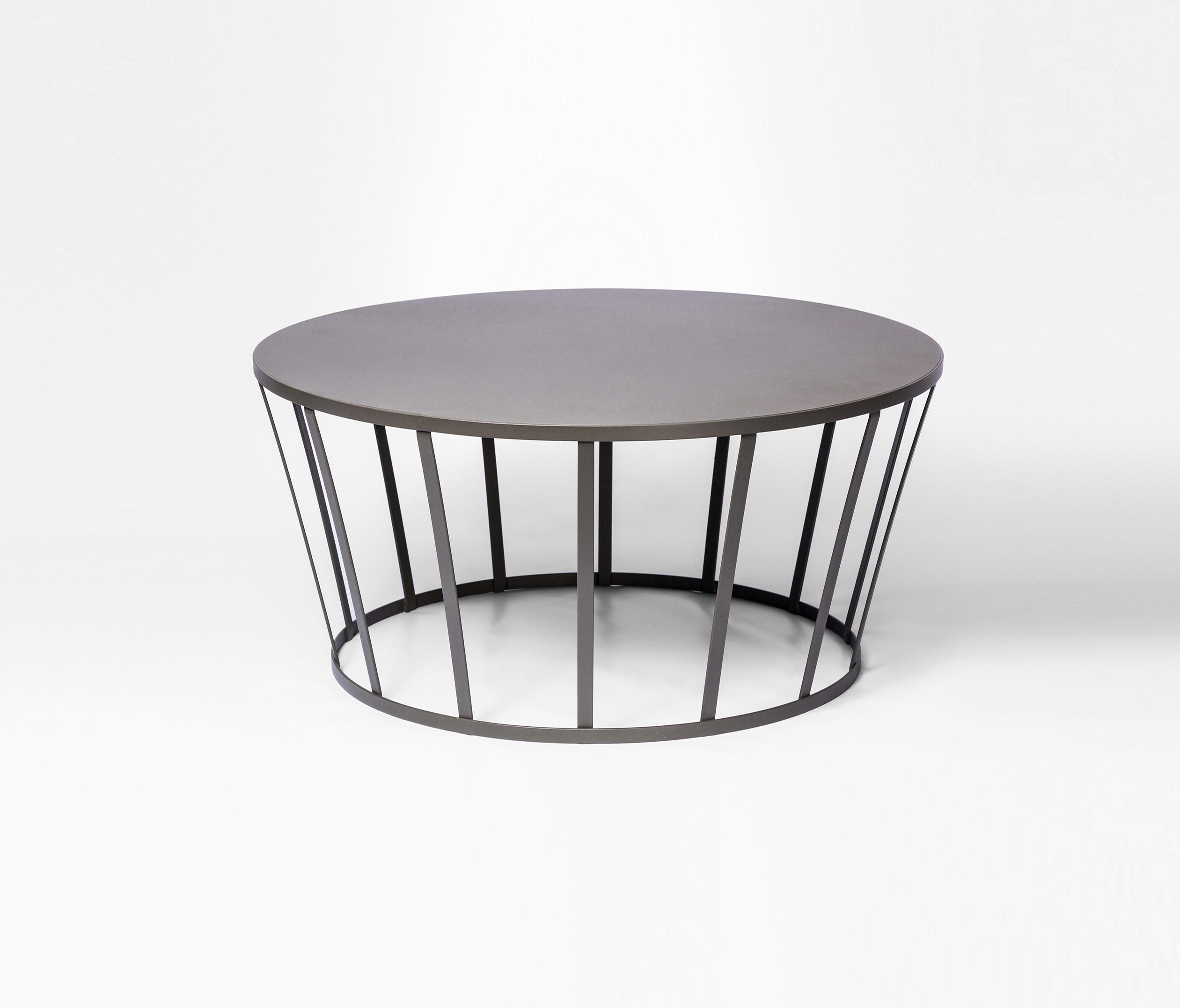 Table De Jardin Petite Hollo Coffee Table Coffee Tables From Petite Friture Architonic