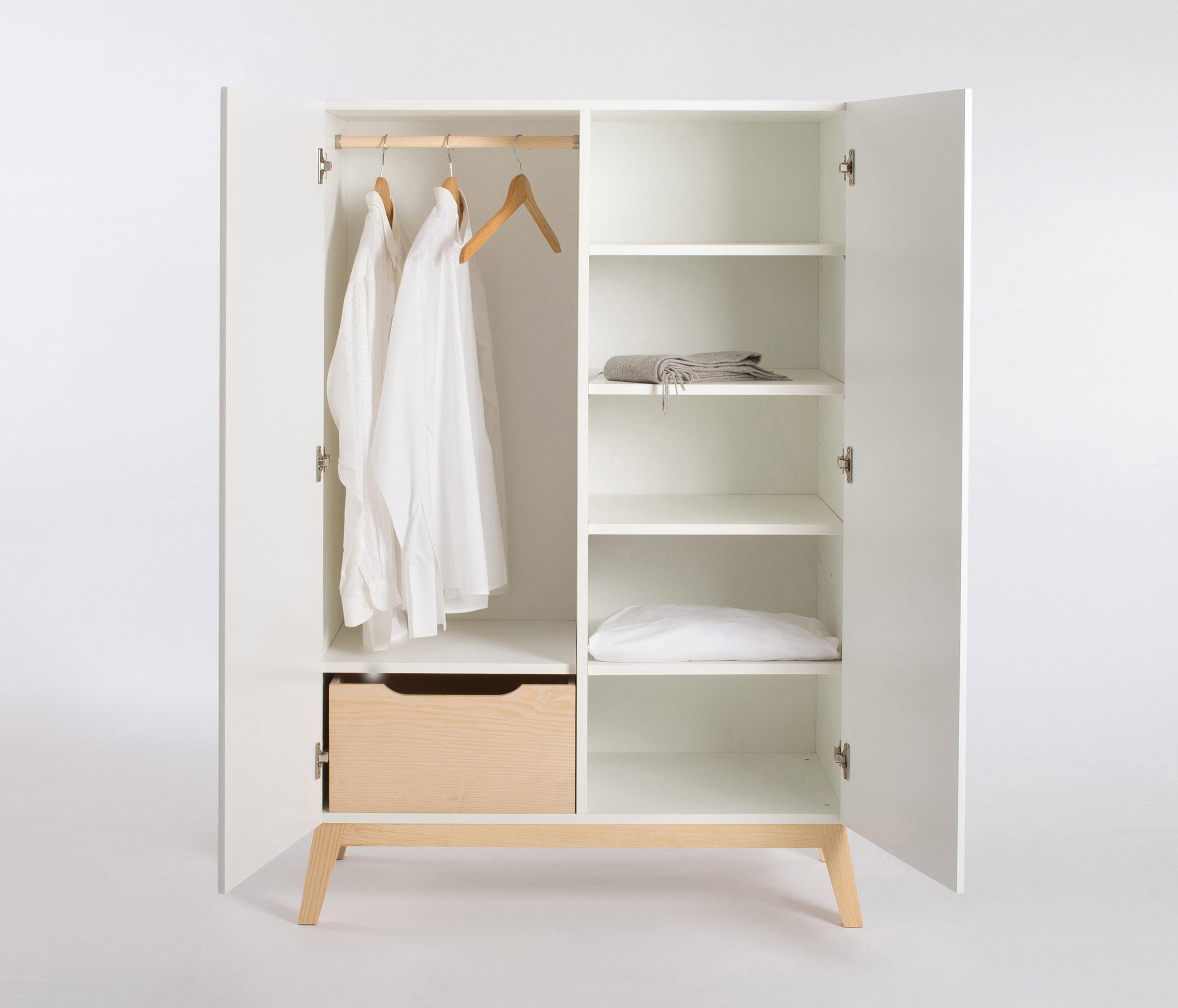 Garderobenschrank Design Private Space Small Closet Cabinets From