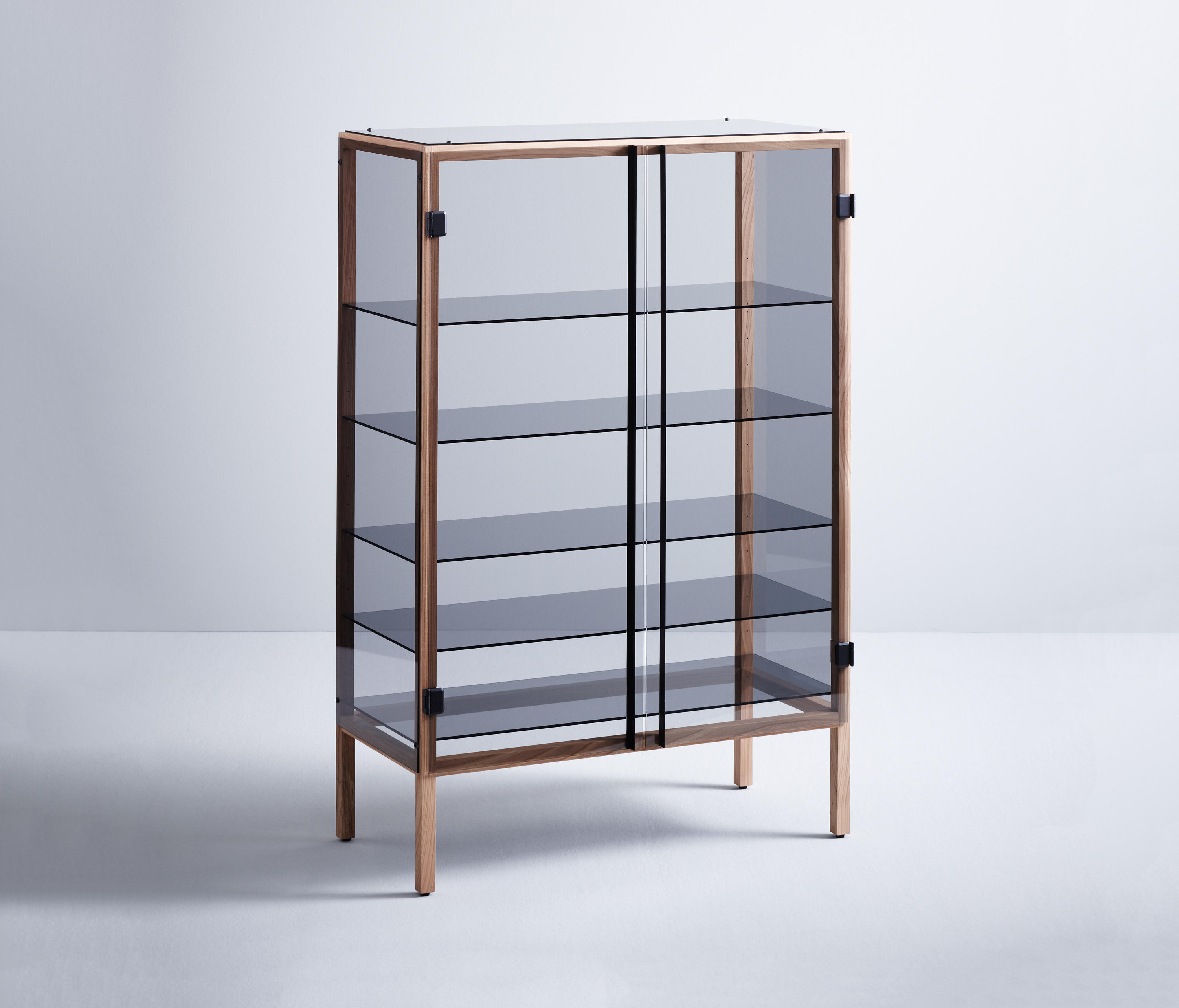 Wand Vitrine Shade Display Cabinets From Böwer Architonic