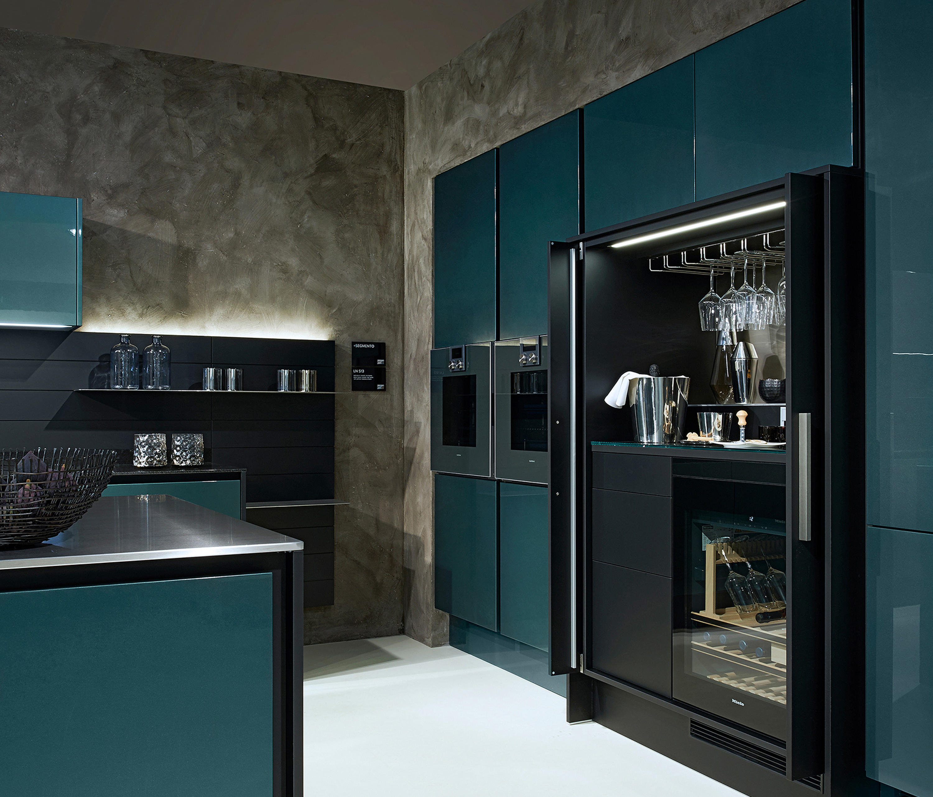 Porsche Design-küche P7340 Chrome Plated Lacquer Fitted Kitchens From Poggenpohl