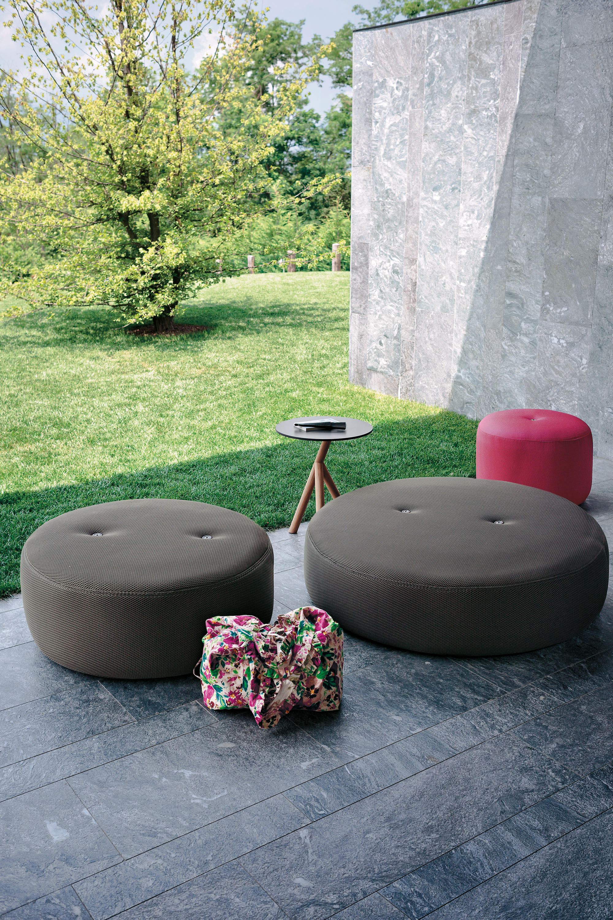 Pouf Exterieur Canadian Tire Double 031 Pouf Designer Furniture Architonic