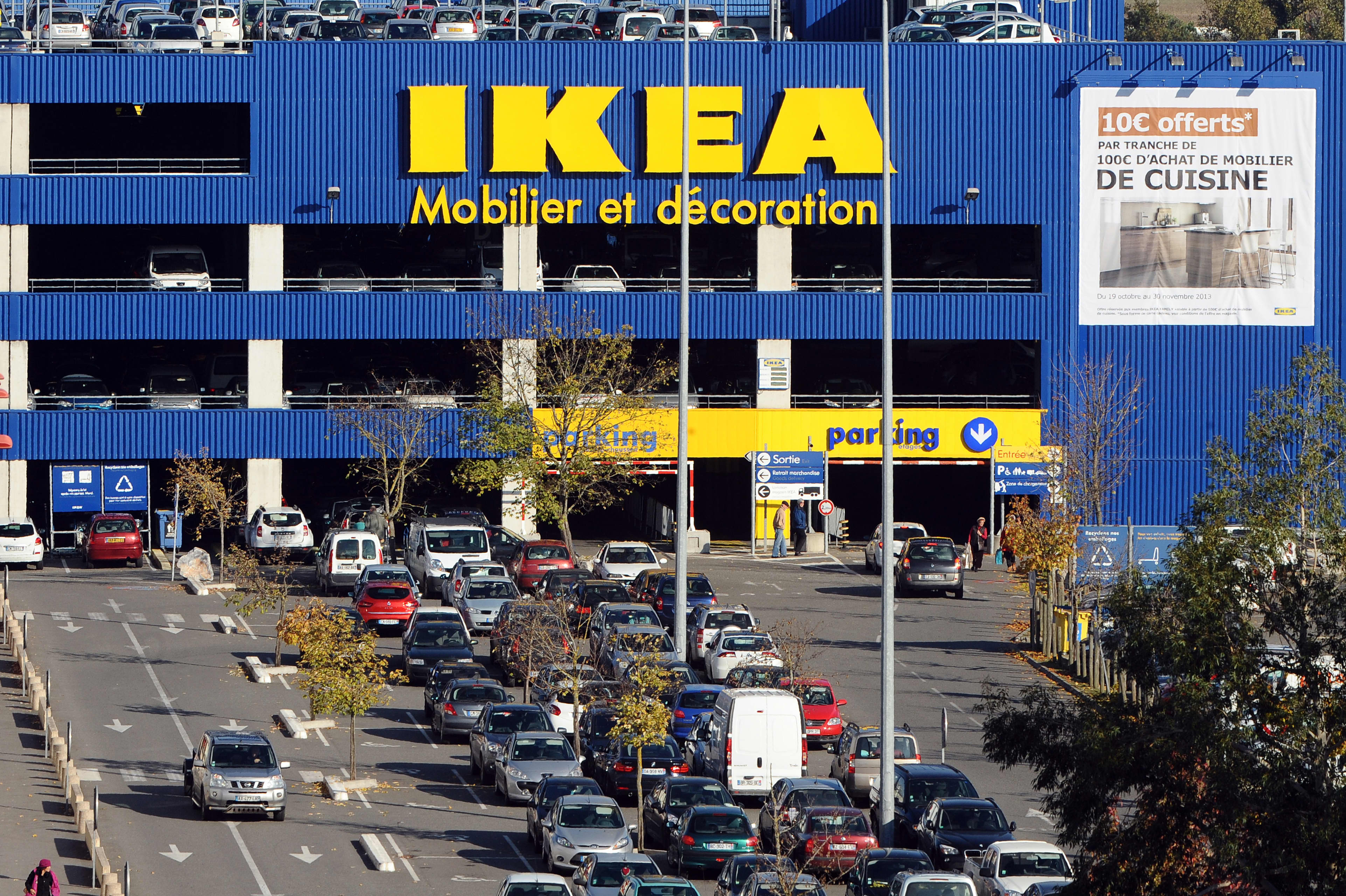 Ikea French Days Ikea Group Plans To Cut 7 500 Administrative Jobs