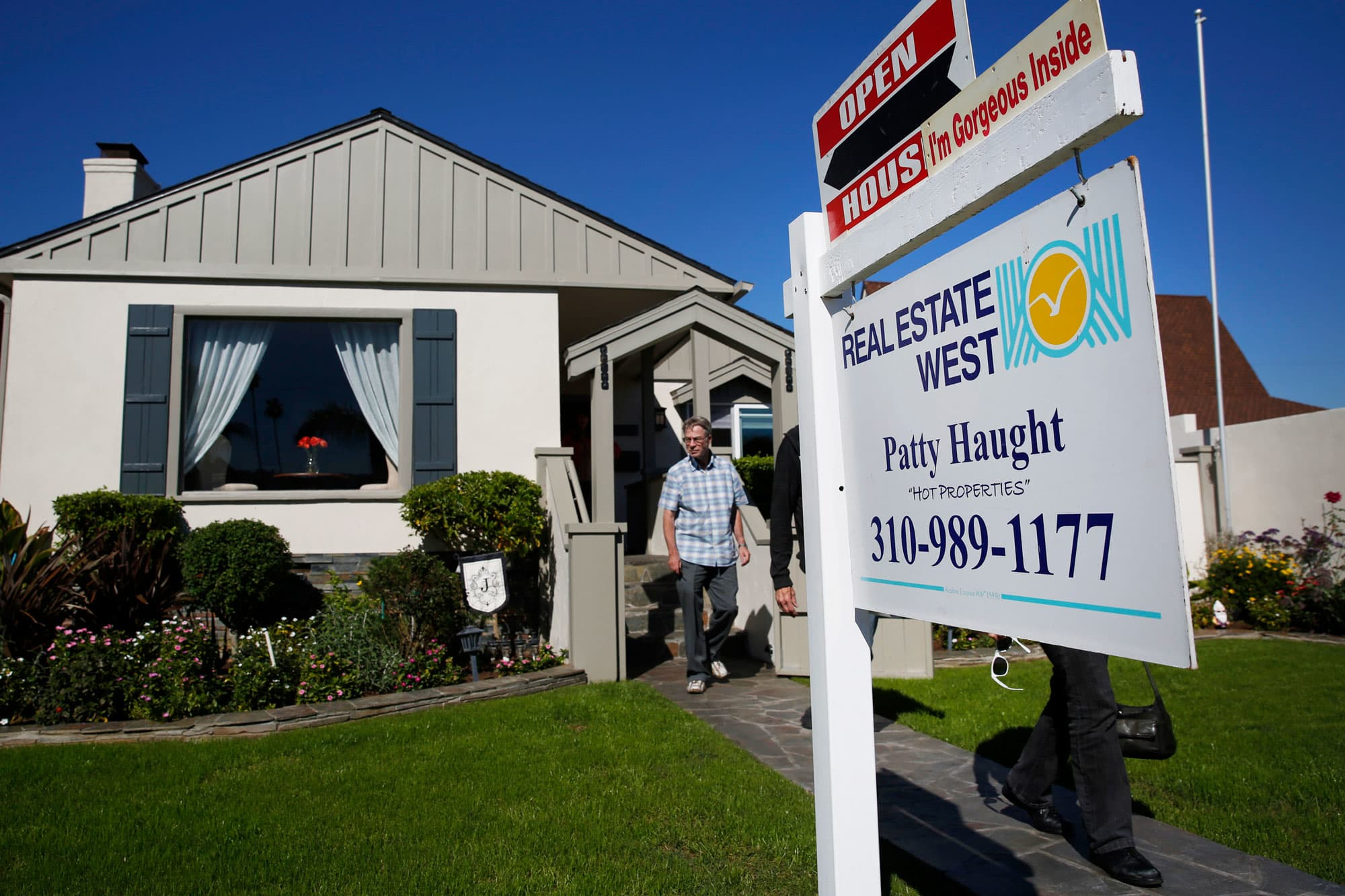 Hot Houses For Sale Southern California Home Sales Crash A Warning Sign To The Nation