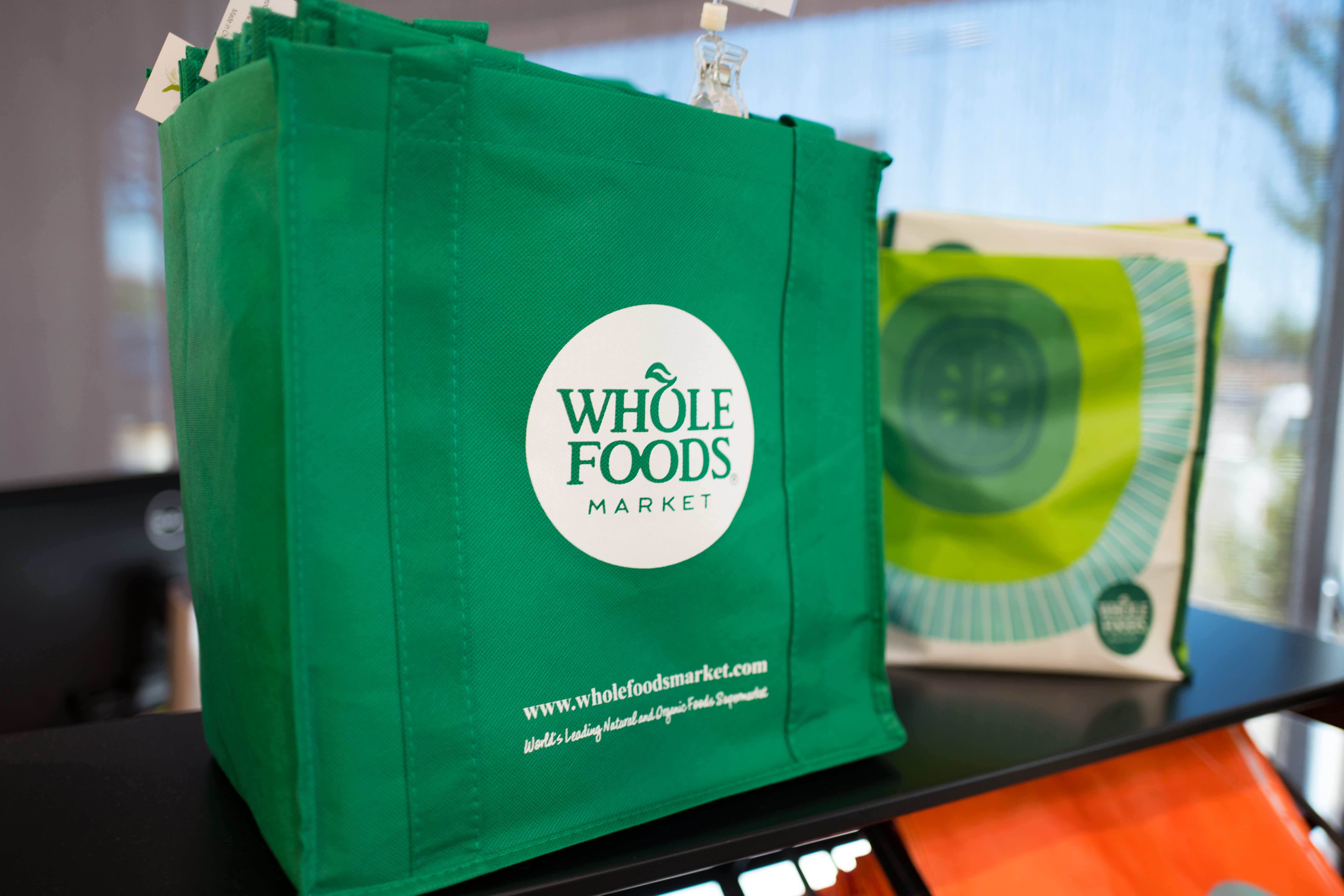 Amazon Whole Foods Amazon To Expand Whole Foods Stores Wsj