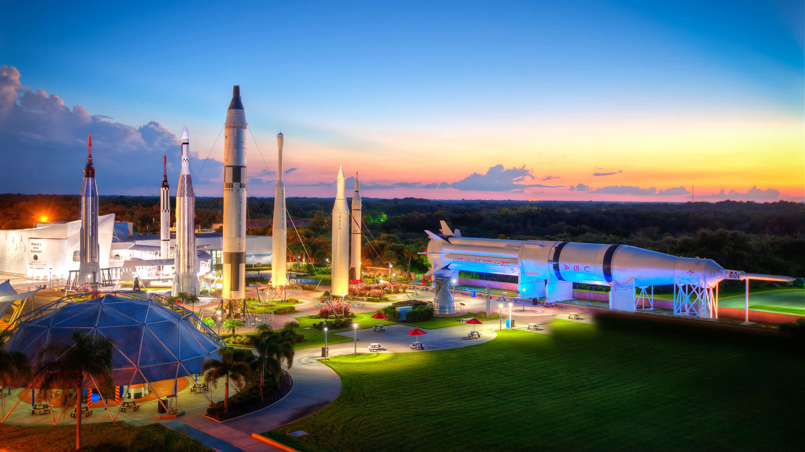 Kennedy Space Center Kennedy Space Center S Visitor Complex Offers Outer Space