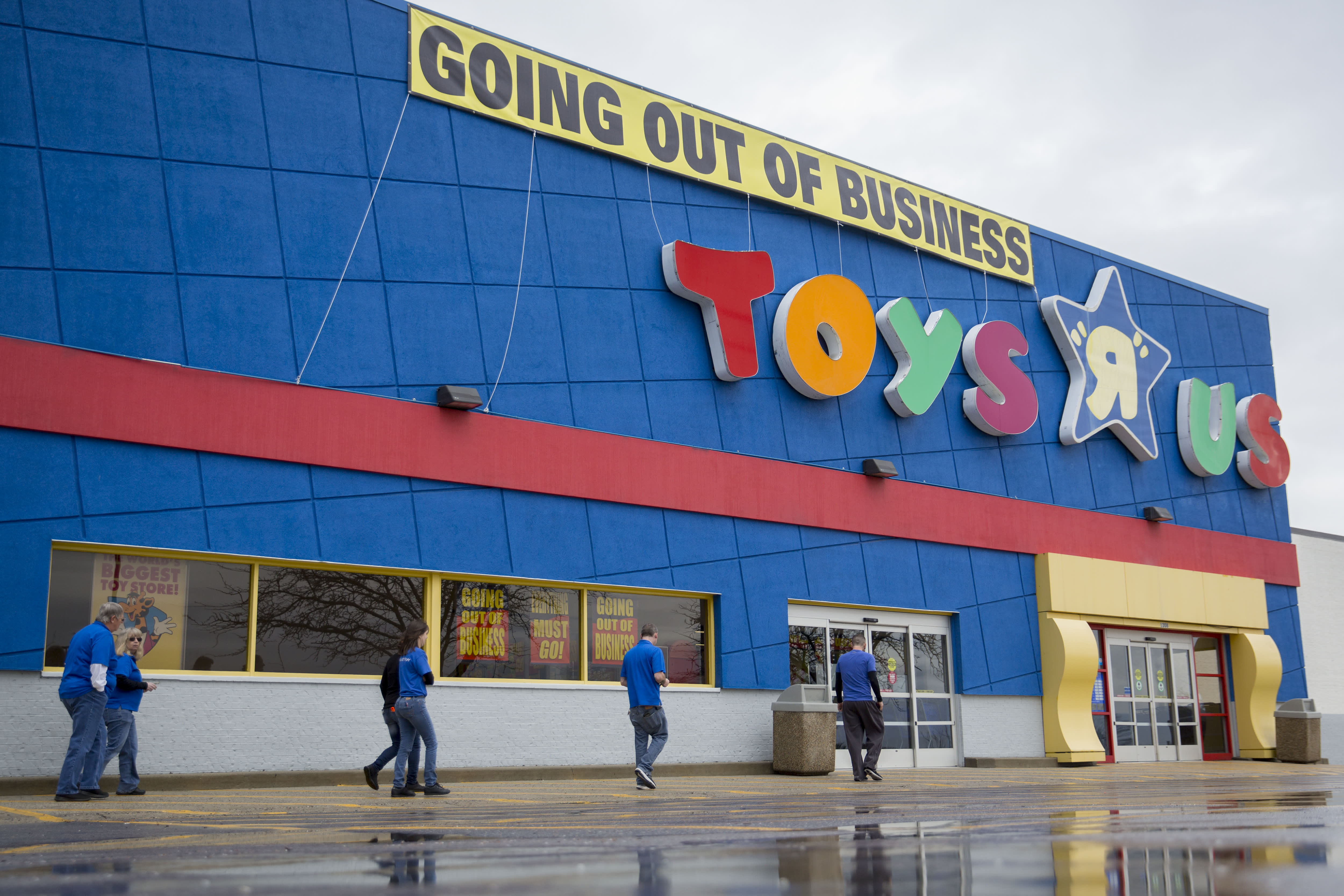 Toys R Us Tries For A Comeback A Year After Going Out Of