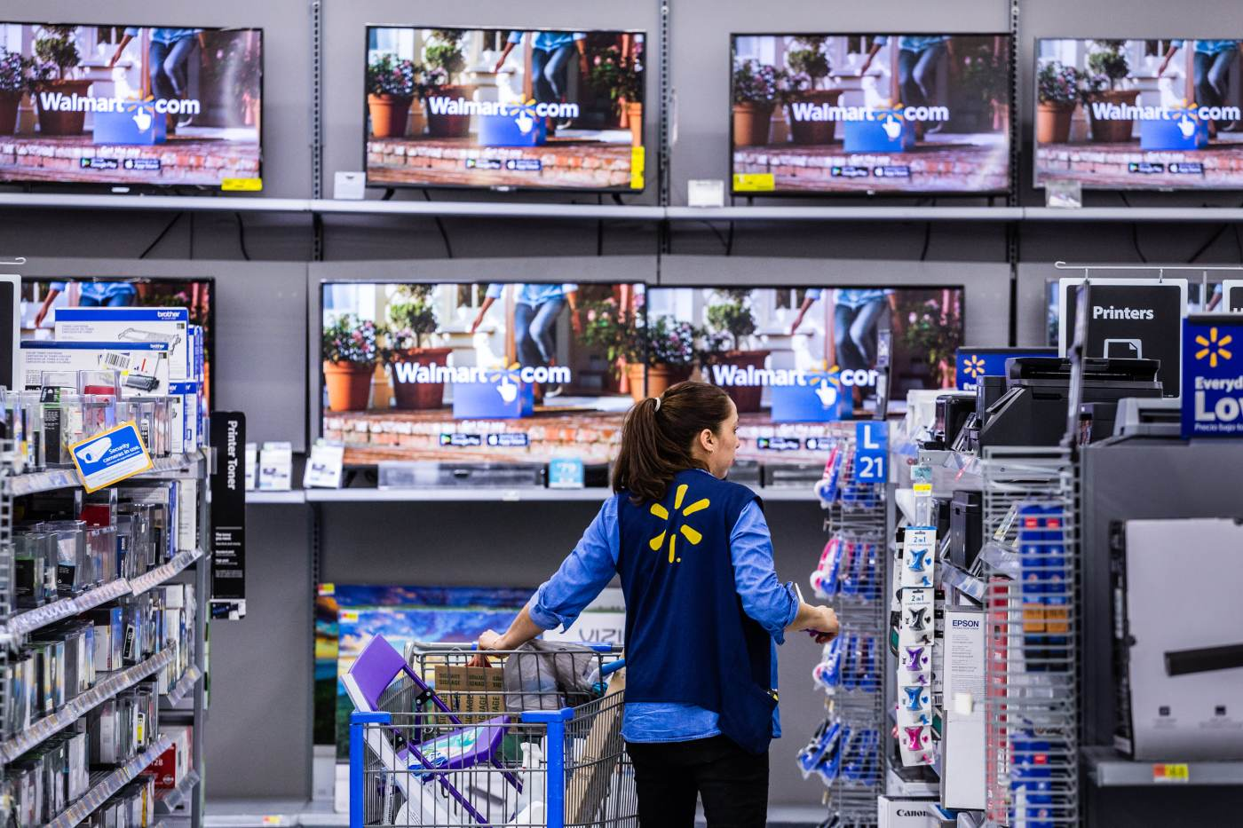 Walmart Report Reveals Average Salary Of Its Us Store Managers