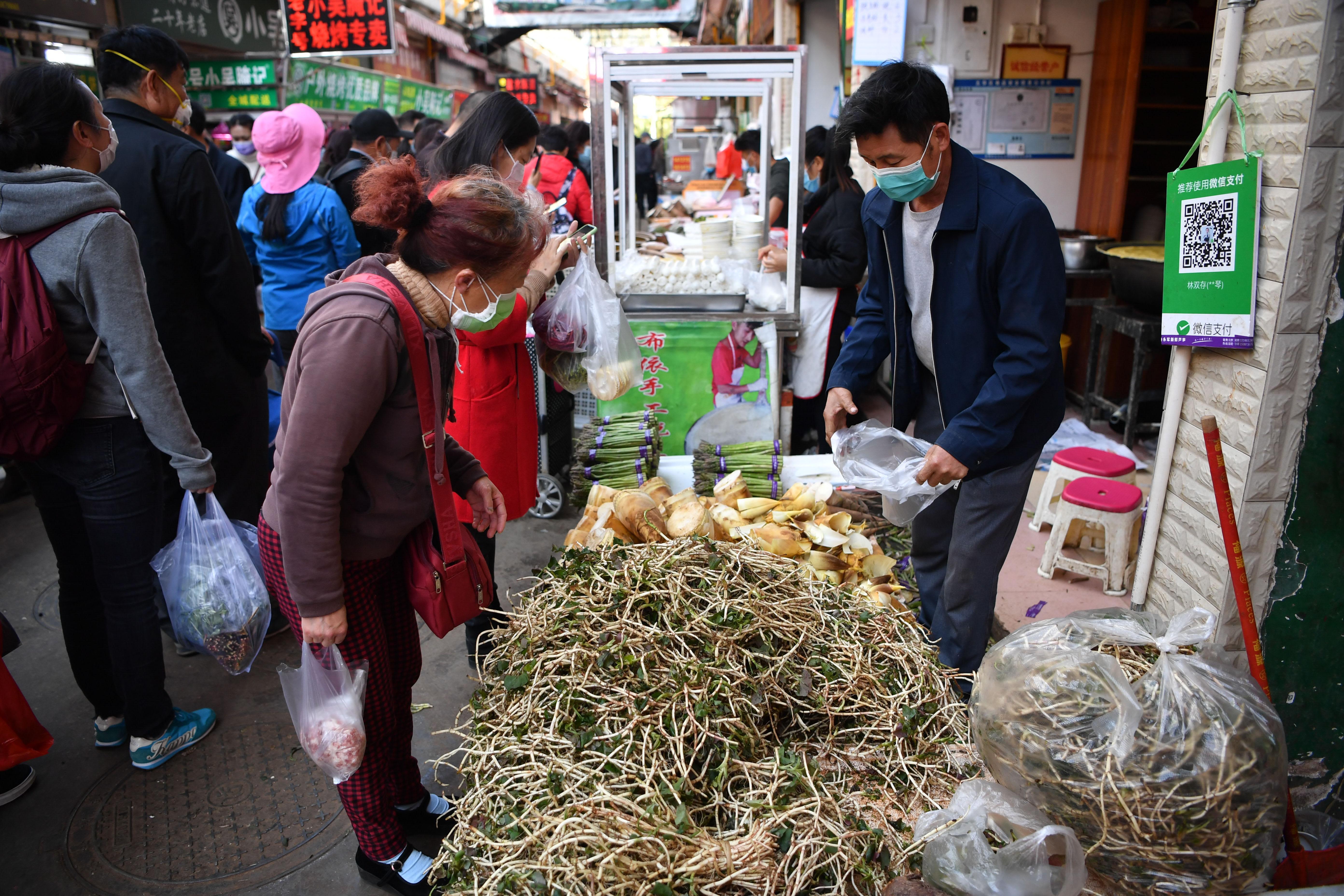 china shuts 14 makeshift hospitals as new coronavirus