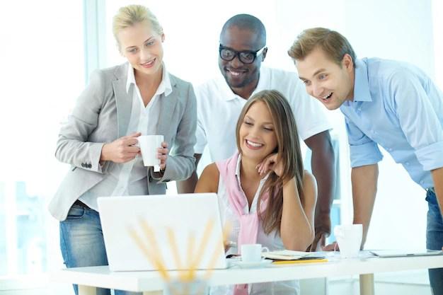 Businesspeople having informal meeting Photo Free Download