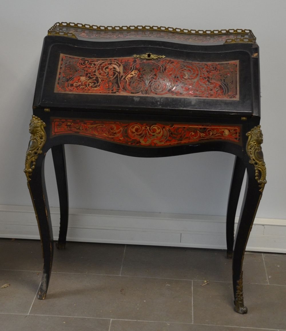 Couchtisch Asia Style European Tables For Sale At Online Auction Buy Rare European Tables