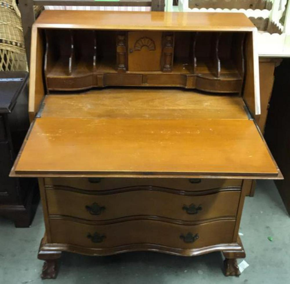 Lot Monitor Furniture Co Writers Desk W Drawers