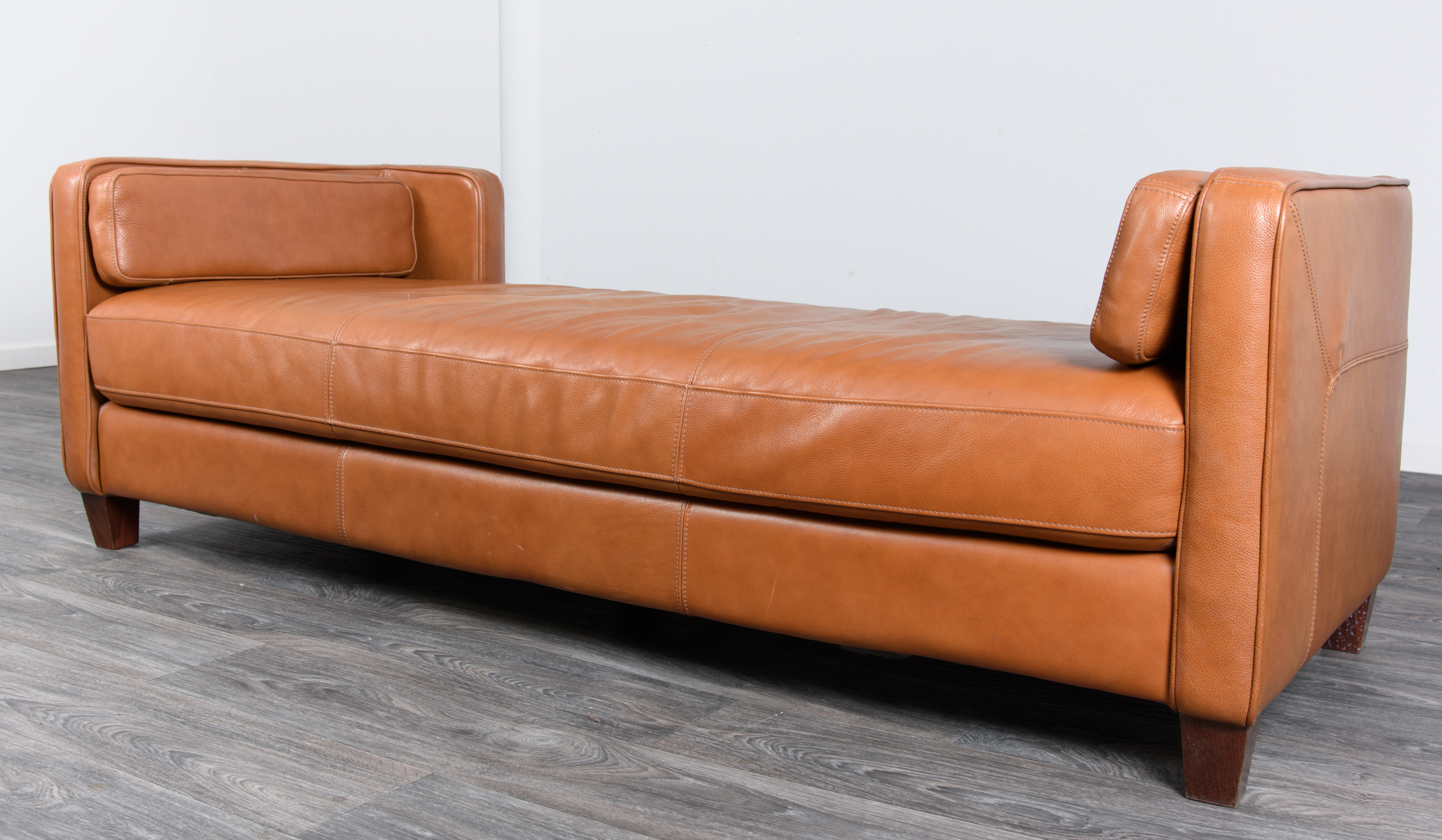 Lot Divani Chateau D Ax Italian Leather Sofa