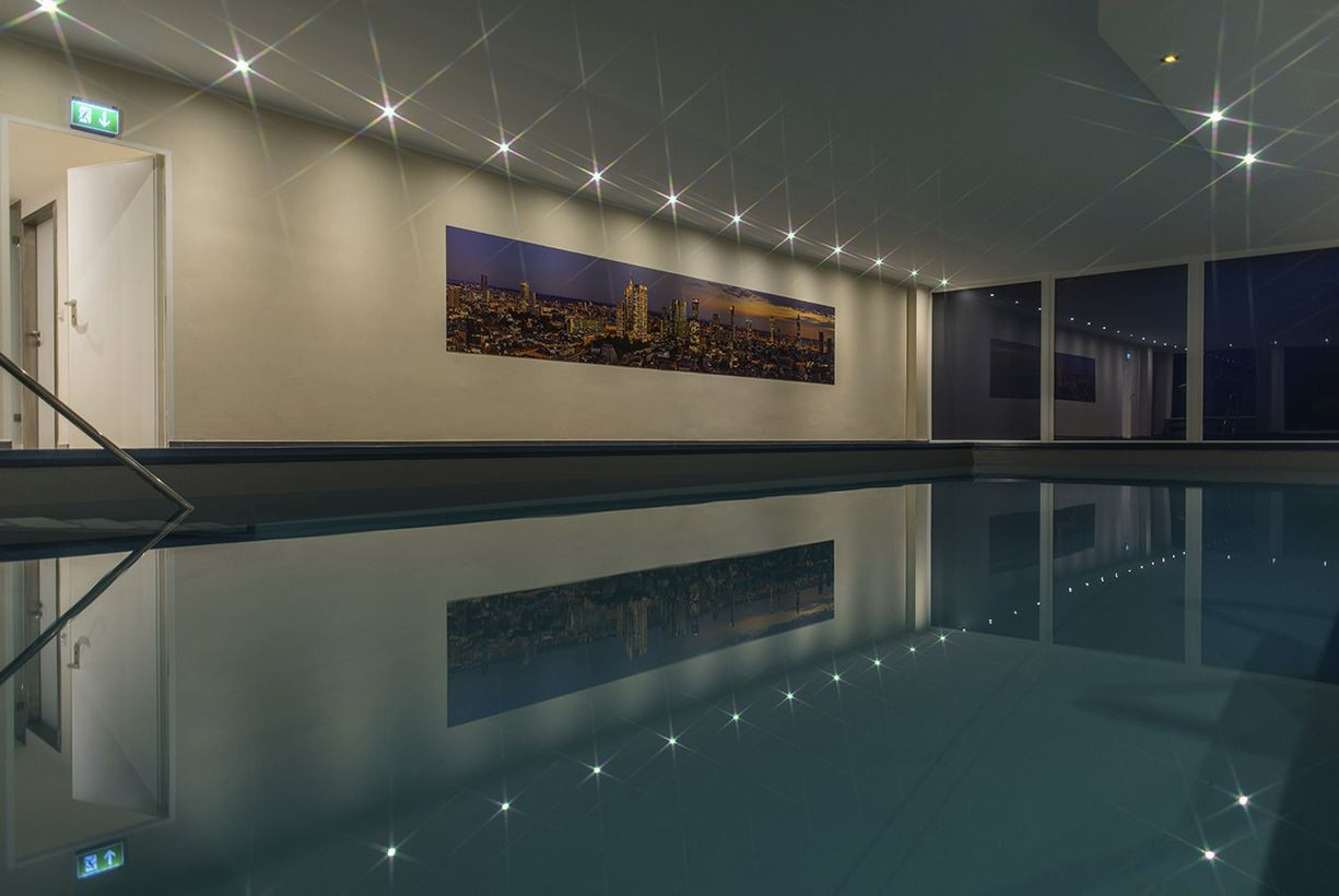 Swimming Pool Frankfurt Skyline Frankfurt Panorama Swimming Pool In Frankfurt Westend
