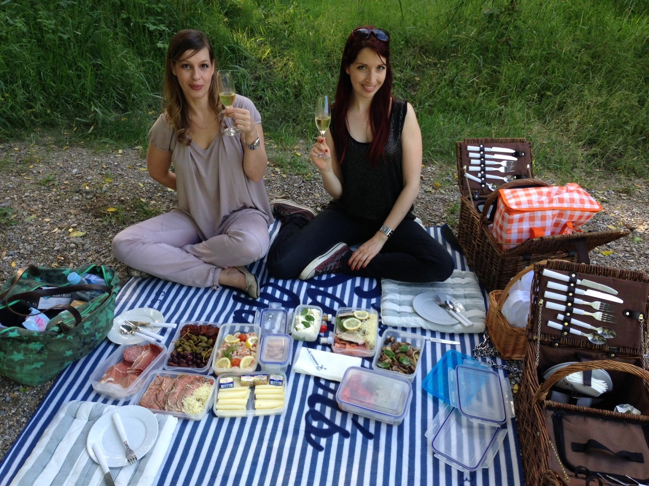 Das Perfekte Picknick Sessionbericht: Picknick Und Petplay - My-fashion-for-legs