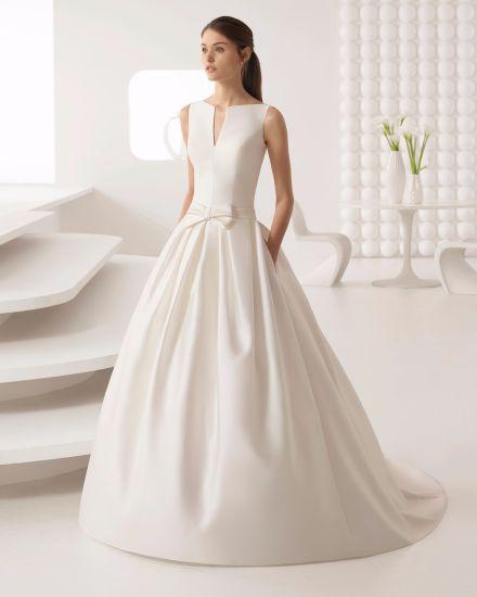 China Elegant V Neck Simple Satin Bridal Dress Wedding Gwon - China