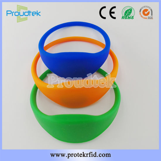 China 125kHz Tk4100 Chip Silicone Wristband ID Card for School - student identification card