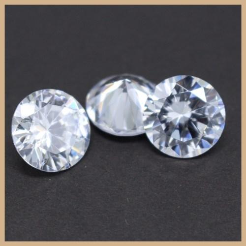Medium Of Cubic Zirconia Vs Diamond