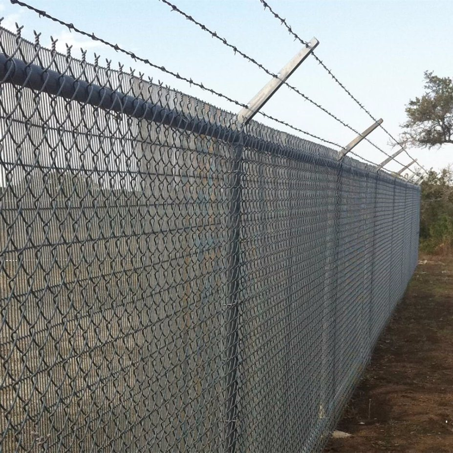 Wire Fencing Hot Item Galvanized Square Wire Mesh Commercial Chain Link Fence