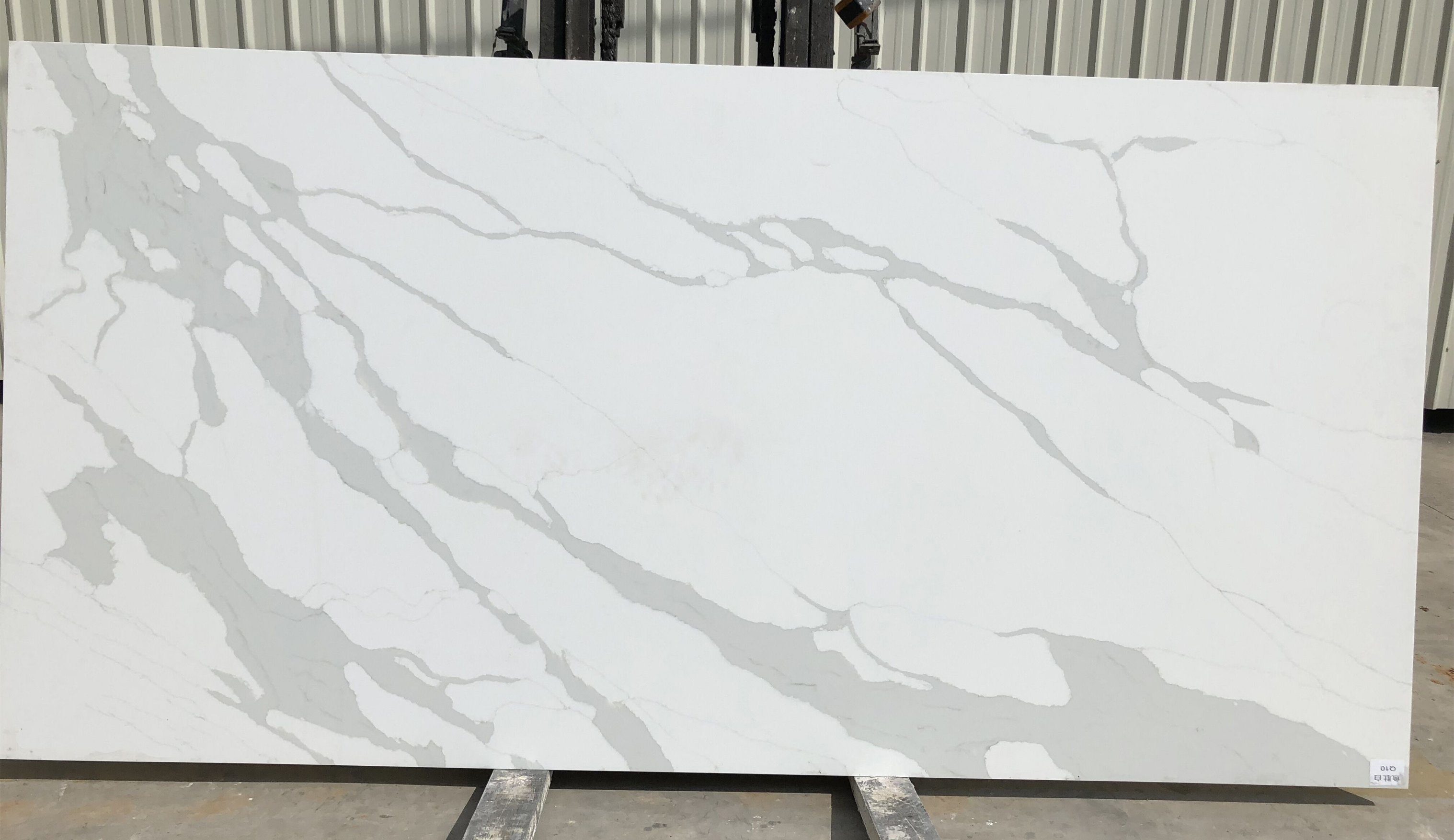 Man Made Quartz Countertops Cost Hot Item Cheap Price With High Quality Orange Man Made Quartz Stone For Countertops