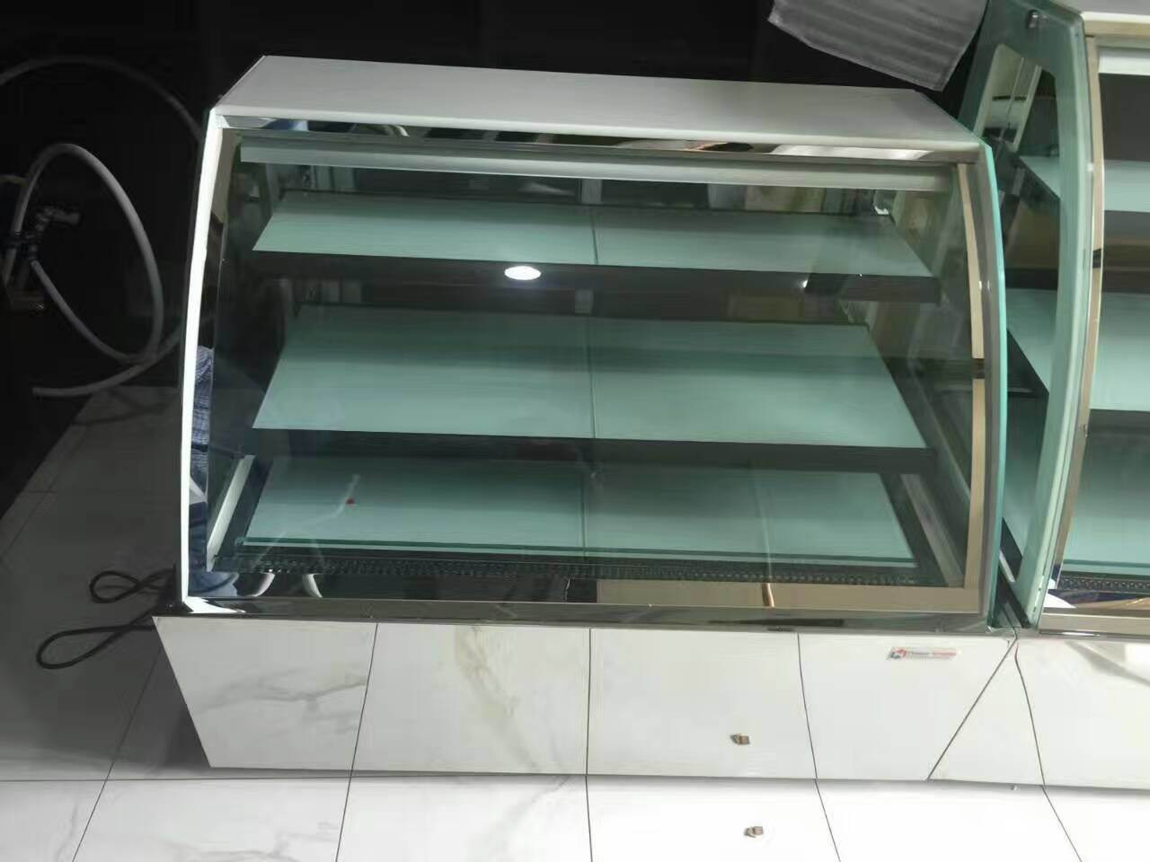 Bakery Display Cabinet Hot Item China Most Popular Bakery Display Cabinet Refrigerated Cake Display Case
