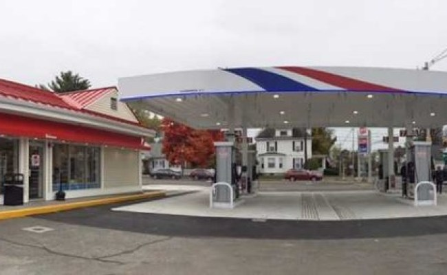 Big Y Opens South Hadley Gas Station Convenience Store