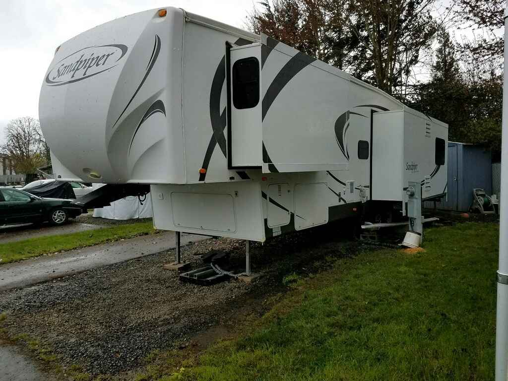 2010 Used Forest River Sandpiper 345ret Fifth Wheel In