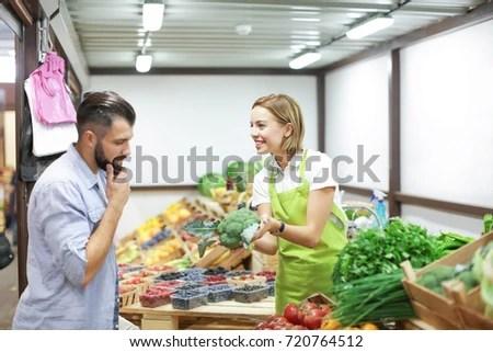 shop assistant - Pinarkubkireklamowe