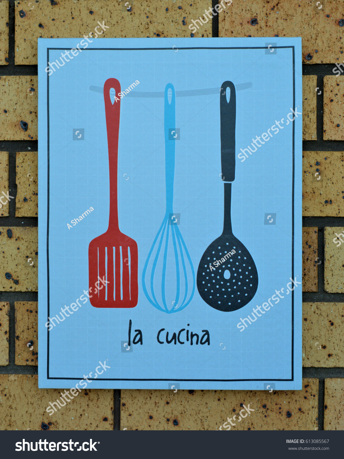 Cucina Kitchen Sign La Cucina Kitchen Sign Stock Photo Edit Now 613085567 Shutterstock