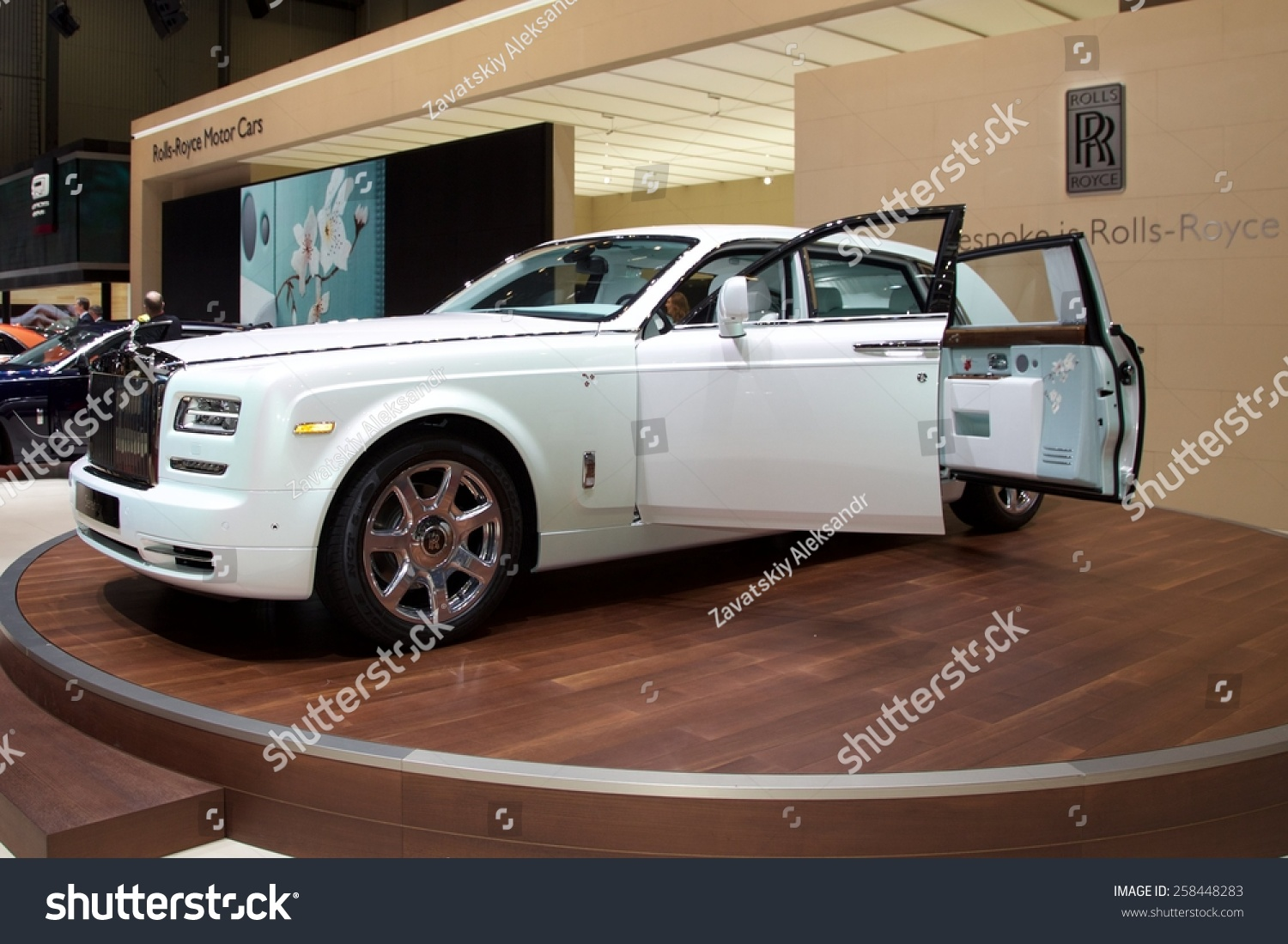 Phantom Serenity 2015 Rolls Royce Phantom Serenity Presented 85th Stock Photo Edit