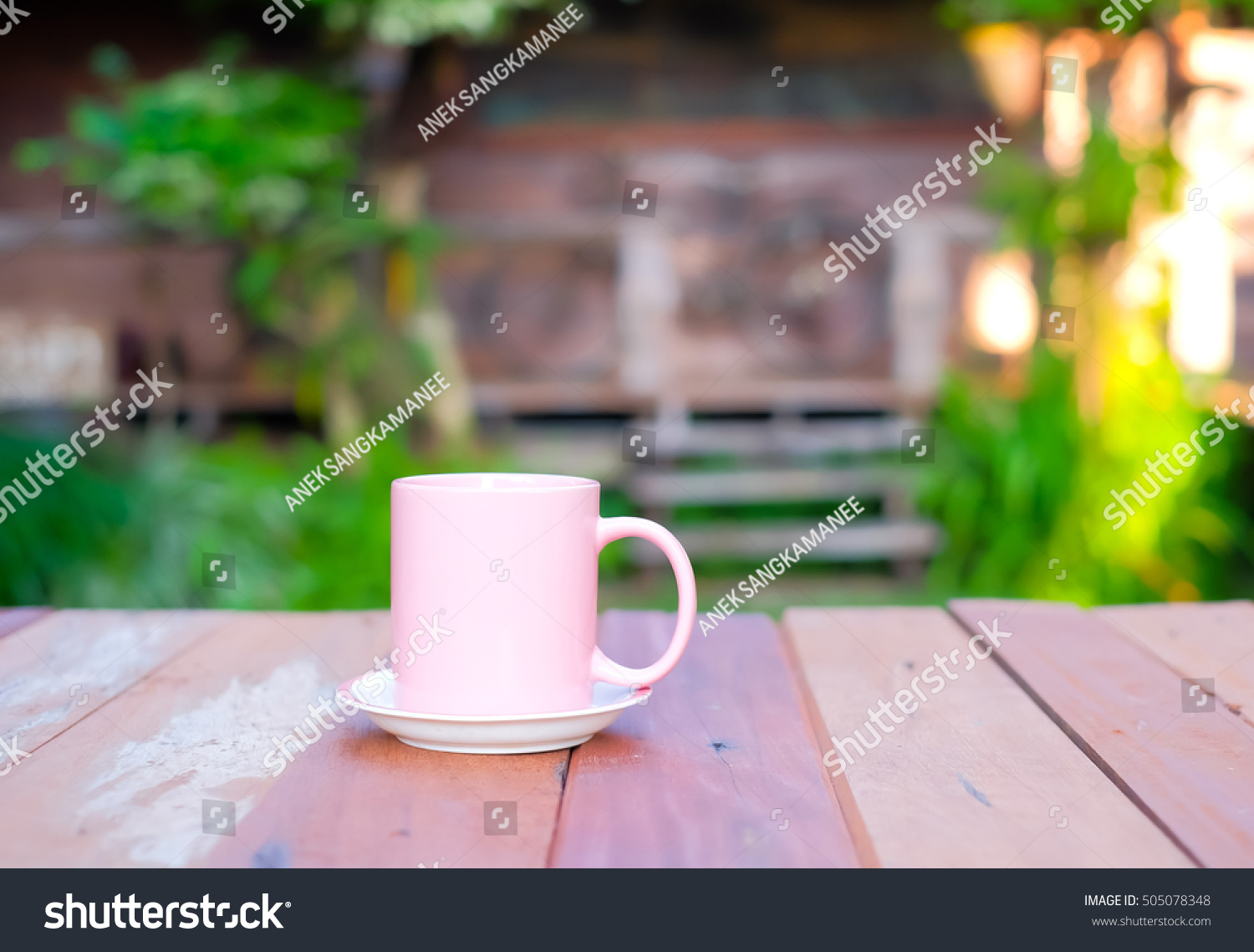 Bru Coffee Green Garden Selective Focus Picture Pink Cup Coffee Stockfoto