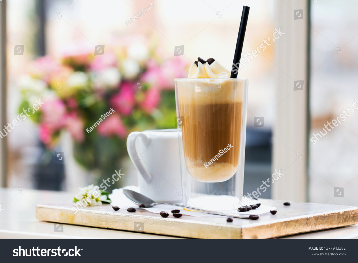 Marmortisch Cafe Affogato Coffee Ice Cream On Cup Stock Photo Edit Now 1377943382