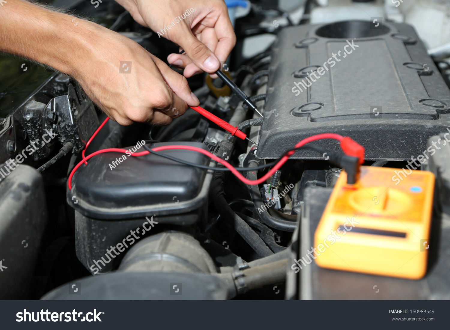 Voltage Auto Accu Auto Mechanic Uses Multimeter Voltmeter To Check Voltage