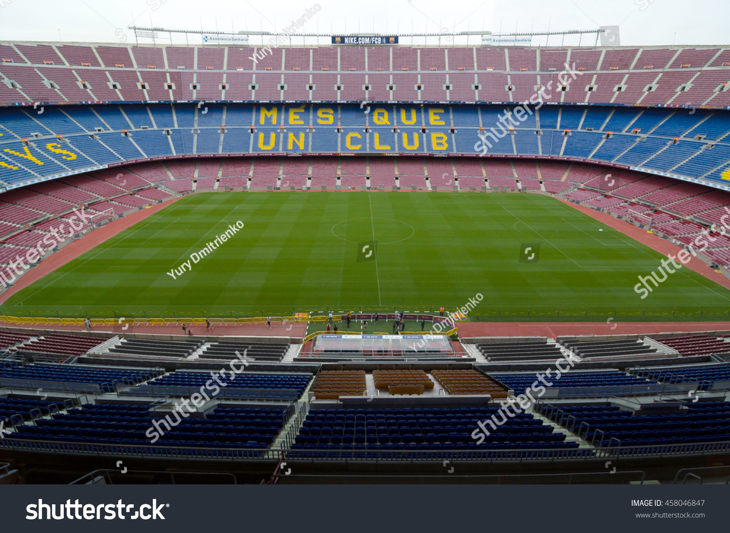 Mes Que Un Club Barcelona September 22 2014 One Stands Stock Photo Edit Now