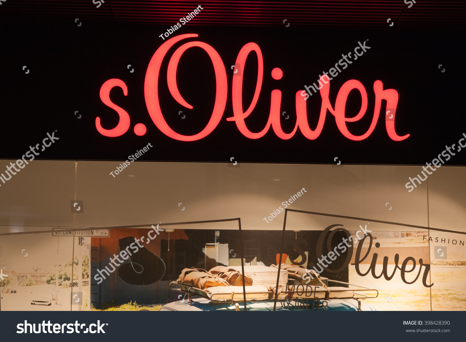 Www.s.oliver.de Mode Bochum Germany March 29 2016 S Stock Photo Edit Now 398428390