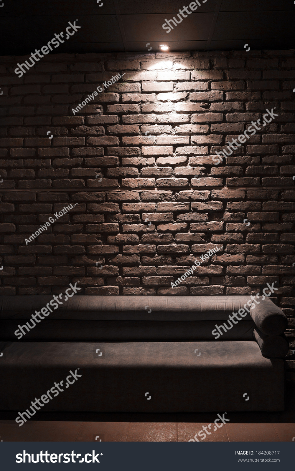 Brick Meubles Divan Lit Brown Sofa Illuminated Above Brick Background Stock Photo Edit