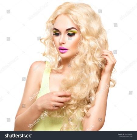 Frizzy Blonde Music Blog